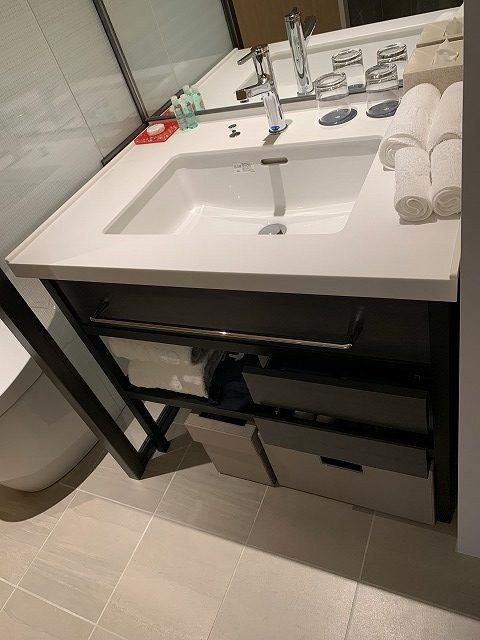 シェラトン都ホテル東京 プレミアムフロア スーペリア 洗面所内の様子2