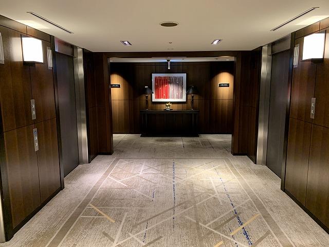 シェラトン都ホテル東京 10階エレベーターホール