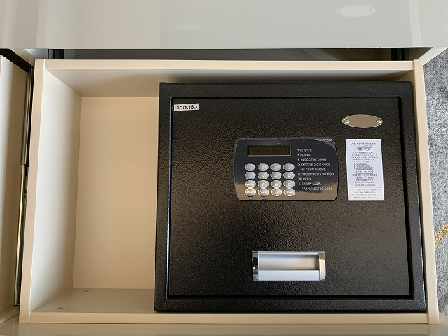 シェラトン都ホテル東京のプレミアムフロアー デラックスルーム備品の様子6