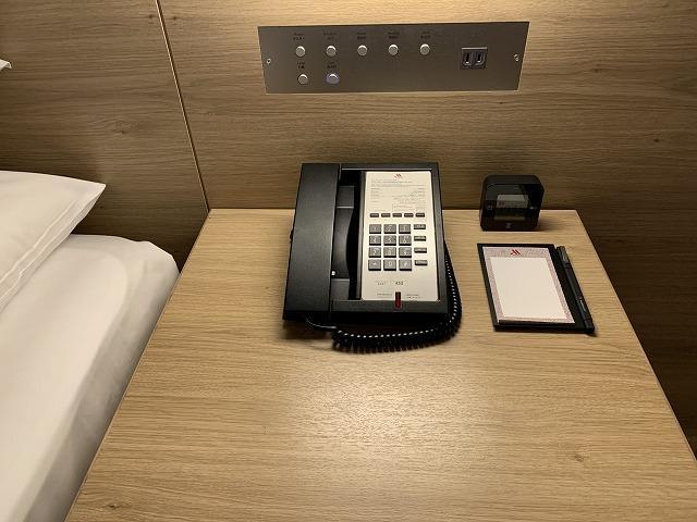 富士マリオットホテル山中湖 スーペリアキングルーム 操作パネルの様子